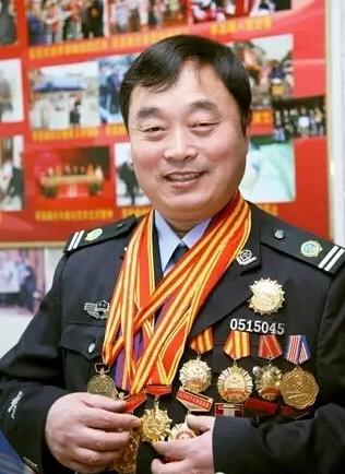 模范义工李高峰:用自己的实际行动为河南人正名
