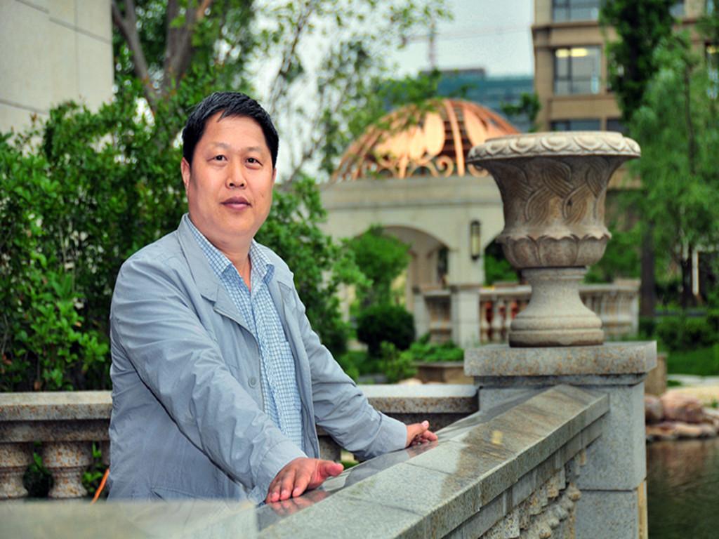 走进中国著名书法家——张英俊